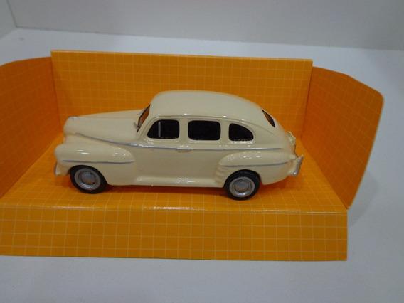 Ford 1947 Sedan Crema Un Clasico Imperdible - 1/43 Cartrix