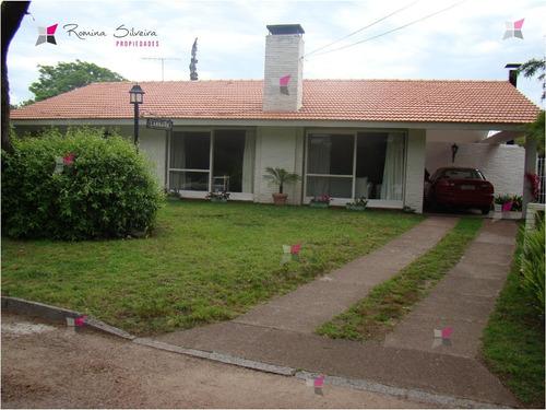 Casa En Mansa, 3 Dormitorios *- Ref: 7789