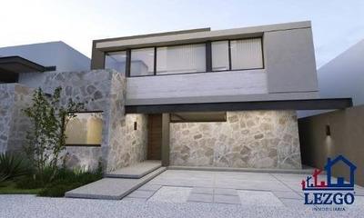 Casa Nueva En Arco De Piedra Con Acabados De Lujo.