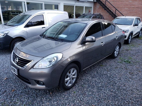 Nissan Versa 1.6 Exclusive At 2014