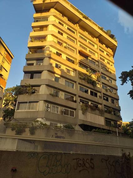 Apartamento En Alquiler Amoblado El Bosque Chacao. Ref. 380