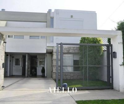 Duplex De 4 Amb. 3 Dormitorios. Entrada P/2 Autos. San Jerónimo. U$s 198500 Contado
