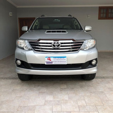 Toyota Hilux Sw4 3.0 16v 4p Srv 4x4 7 Lugares Turbo Automáti