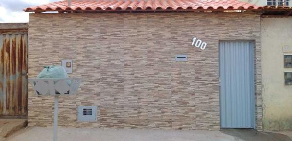 Casa Com 5 Comodos, 2 Quartos, Sala, Cozinha ,banheiro ,area