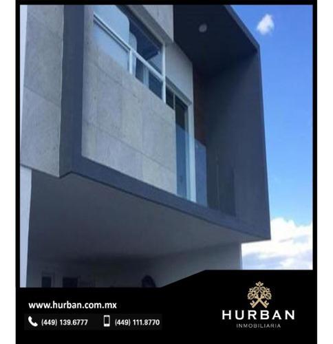 Hurban Vende Casa Inteligente En Coto Con Amenidades.