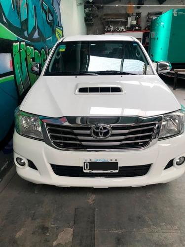 Toyota Hilux 4x2 Srv 2015