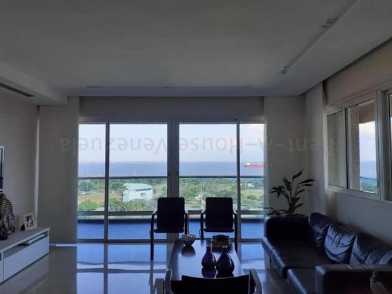 Apartamento En Venta. Valle Frío. Mls 20-8773. Adl