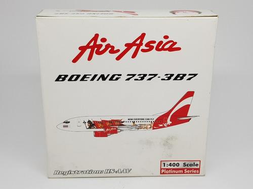Miniatura Avião Phoenix 1:400 Air Asia Boeing 737-3b7