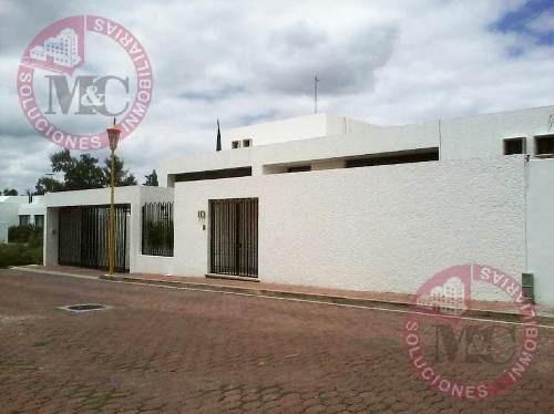 Casa En Renta Al Norte En Residencial Campestre