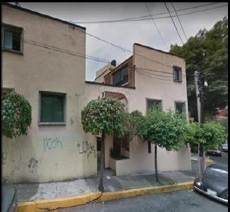 Remate Casa De 4 Recamaras En Lomas Quebradas
