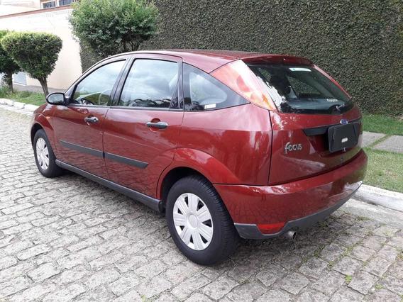 Ford Focus 1.8 5pano 2003 Cor Vermelha 136.000km Novo