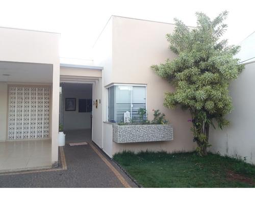 Casa Com 4 Quartos, Aquecedor Água E Energia Solar Incluso.