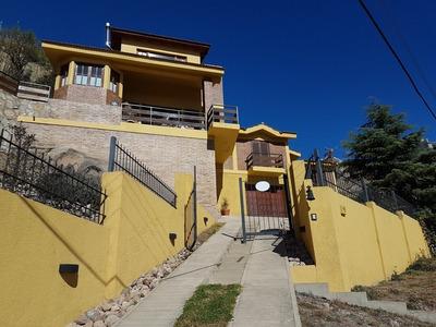 Muy Linda Casa En Venta En V. Carlos Paz, Bº Villa Del Lago