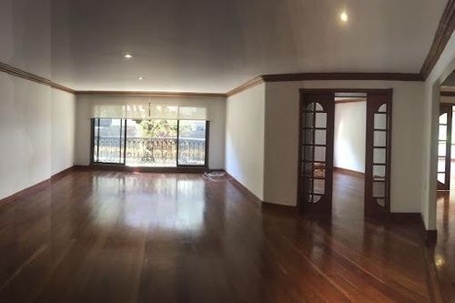 Imagen 1 de 19 de Apartamento En Arriendo El Nogal 90-65830