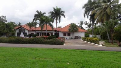 Hermosa Villa En Alquiler En Casa De Campo La Romana
