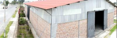 Bodega De Alquiler En El Parque Industrial Riobamba