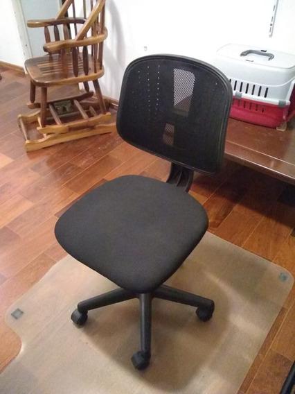 Cadeira De Computador Com Tapete Plástico