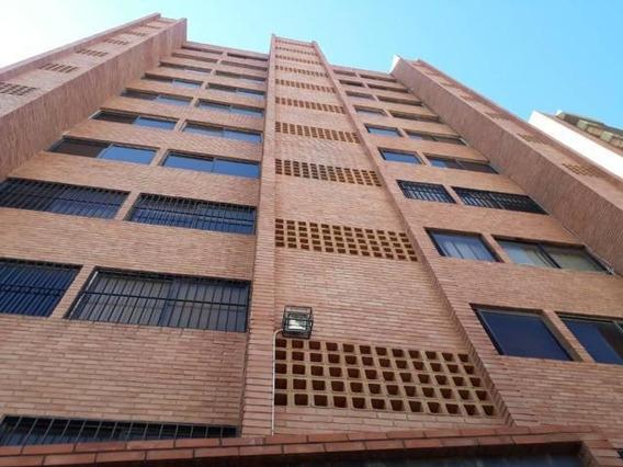 Apartamento En Alquiler. Cecilio Acosta. Mls 20-6274. Adl.