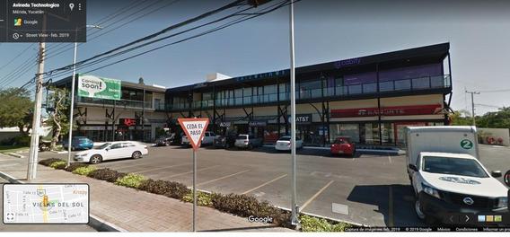 Local Comercial En Renta En Merida, Sobre La Avenida 60
