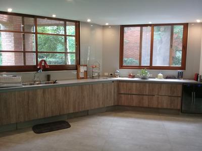 Instalación De Revestimientos De Vidrio / Cerámica De Vidrio