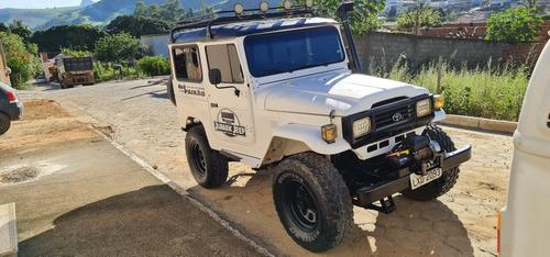 Toyota Bandeirante Jeep Curto