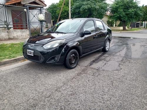 Ford Fiesta Max Con Gnc