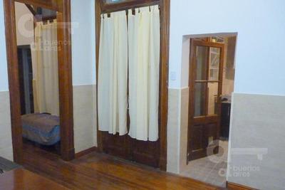 San Telmo. Ph 2 Ambientes Con Patio. Alquiler Temporario Sin Garantías.