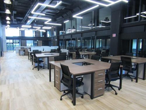 Oficina Coworking Alado De Puerta De Hierro