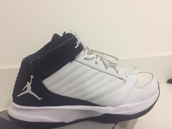 Tênis Nike Air Jordan Bct Mid Branco