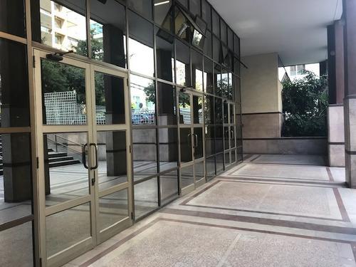 Imagen 1 de 9 de Oficina Metro El Golf/ Plaza Perú, Las Condes