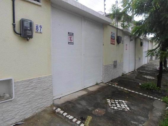 Casa Duplex Com 3 Suítes, Área De Serviço, 2 Garagens