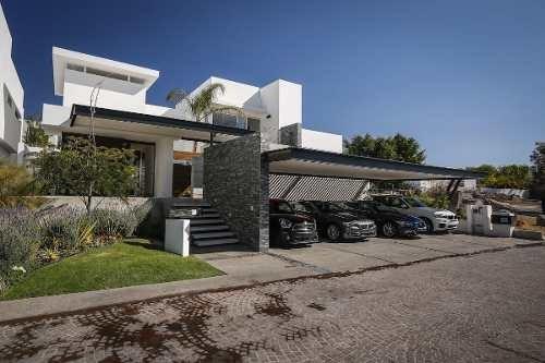 Preciosa Casa En Venta En Fraccionamiento Exclusivo De Juriquilla