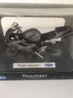 Miniatura Triumph Daytona 675 Welly 1/18