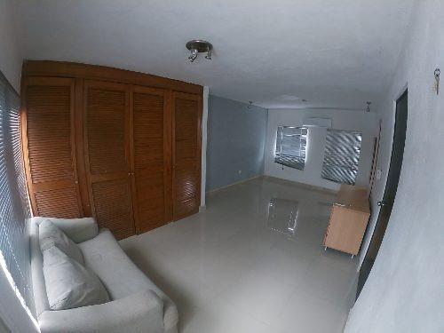 Bonita Casa En Venta, 3 Niveles Y 5 Habitaciones