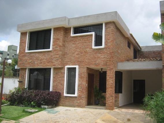 Townhouse En Venta El Trigal Norte Valencia Cod 19-8369 Akm