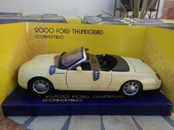 Ford Thunderbird 2000 Escala 1/24,