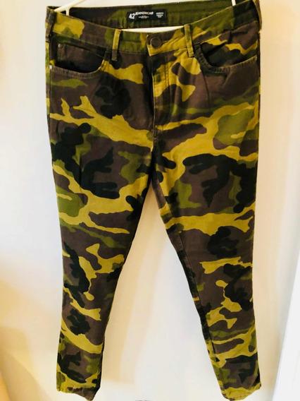 Calça Skinny Estampa Militar
