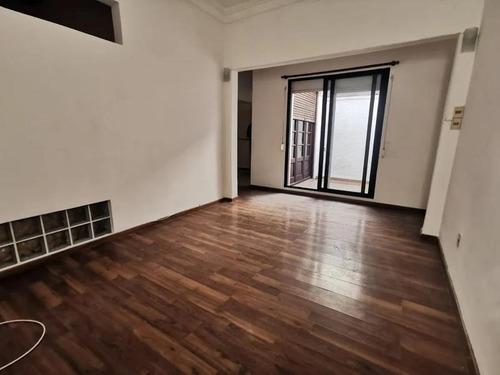 Apartamento - Parque Batlle. 2 Dormitorios Y Patio