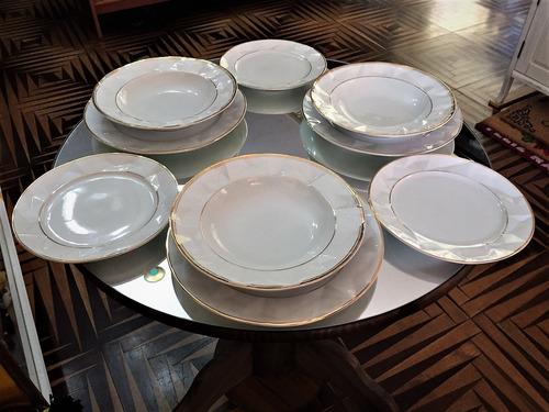 Imagem 1 de 4 de Jogo De Jantar 18 Peças Em Porcelana 3d Com Filetes De Ouro