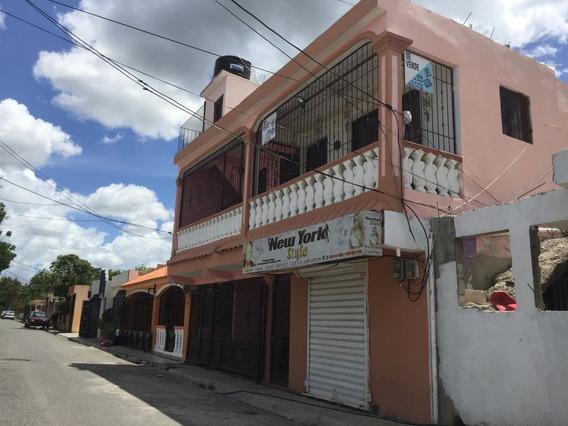 Casa Con Local Comercial, Y 2 Apto. Titulo Deslindado.