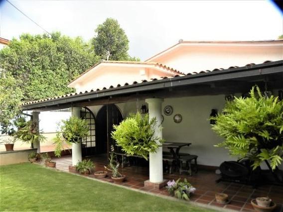Casa En Venta, Los Palos Grandes, Rah 19-19268, 0426-5183841