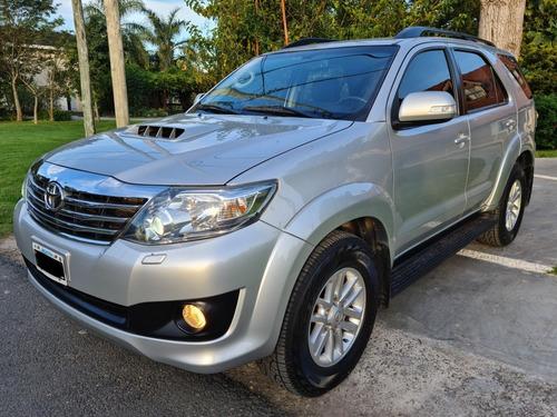 Toyota Sw4 3.0 Srv Cuero 171cv 4x4 5at 2014