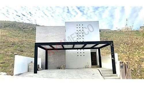 Venta Casa Nueva En Privada Monterra Tres Niveles, Terraza Y Salón De Juegos. La Zona Con La Mejor Plusvalía De La Ciudad.