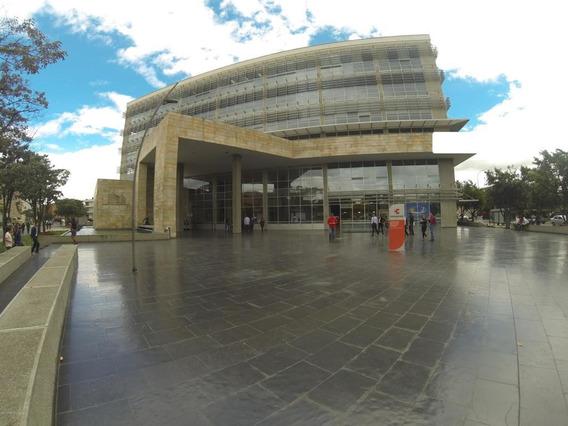 Comercial En Arriendo Zona Franca Rcc Mls 19-448