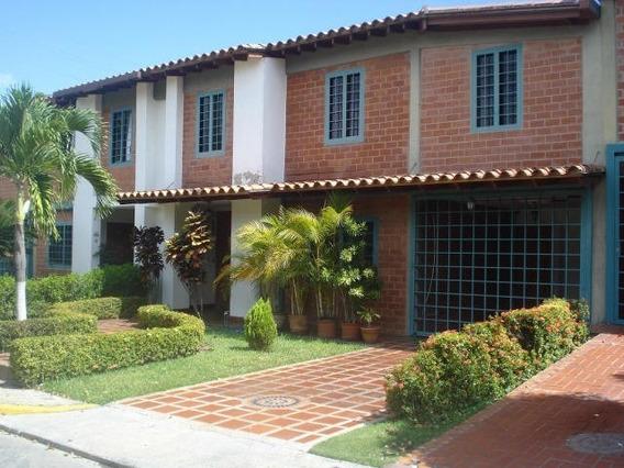 Hh 20-4176 Townhouse En Venta Casa Linda