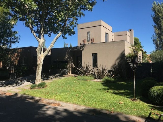 Casa En Venta En Rincon De Milberg, Barrio Atardecer