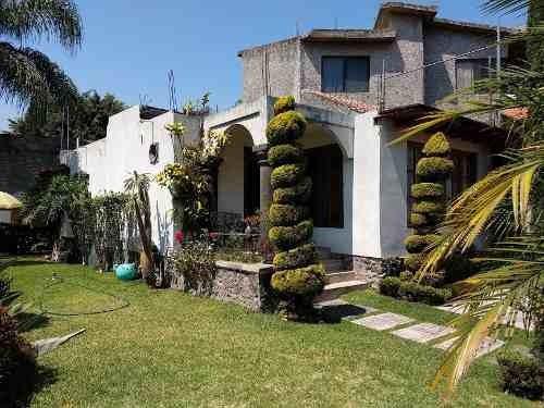 Casa En Venta En Tulipanes, Cuernavaca Morelos