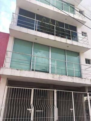 Departamento Penthouse En Venta En Altamira En Guadalajara Frente A Los Colomos