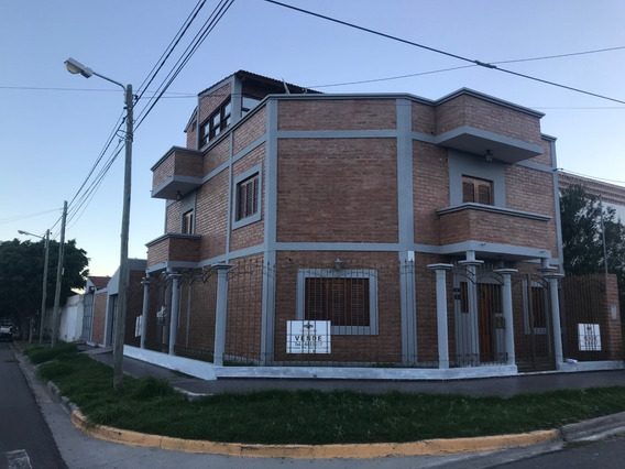 Venta Casa En Catamarca, Nueva, Excelente Ubicación.