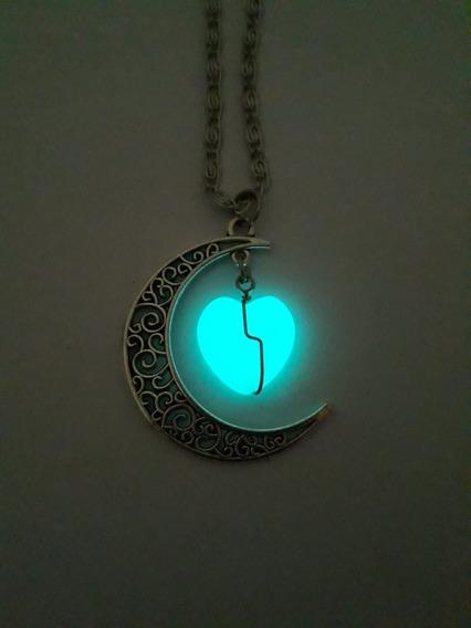 Colar Que Brilha No Escuro Meia Lua